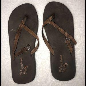 ‼️👠‼️BOGO 50% OFF! Brown flip flops! 🤎